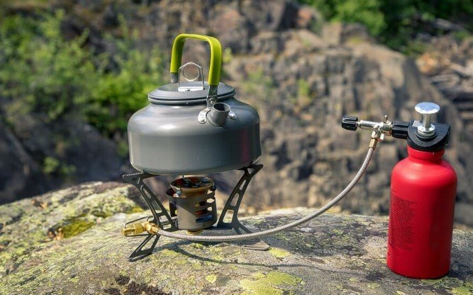 How to Attach a Propane Tank to a Camping Stove
