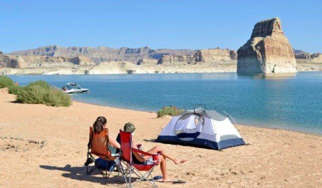 Camp At Lake Powell