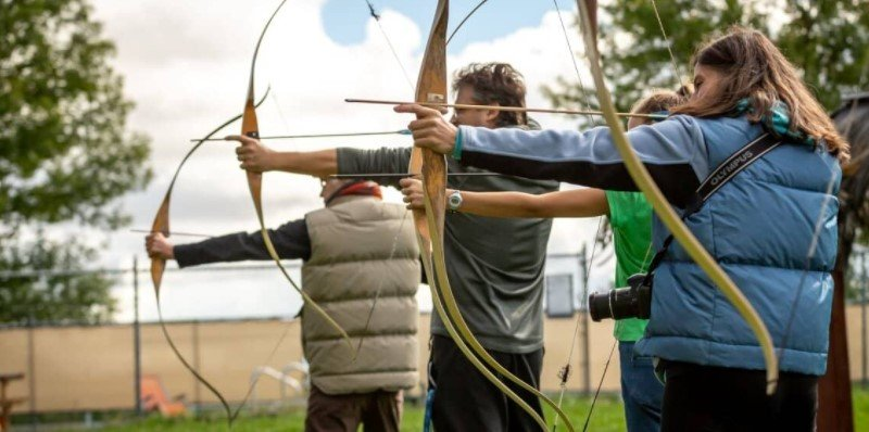 Bow and arrow license requirements in the US