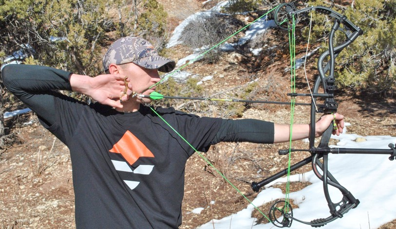 shoot a compound bow without sight